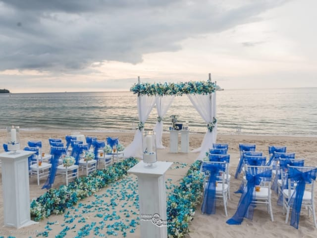 Phuket Beach Wedding Vow Renewal (21)
