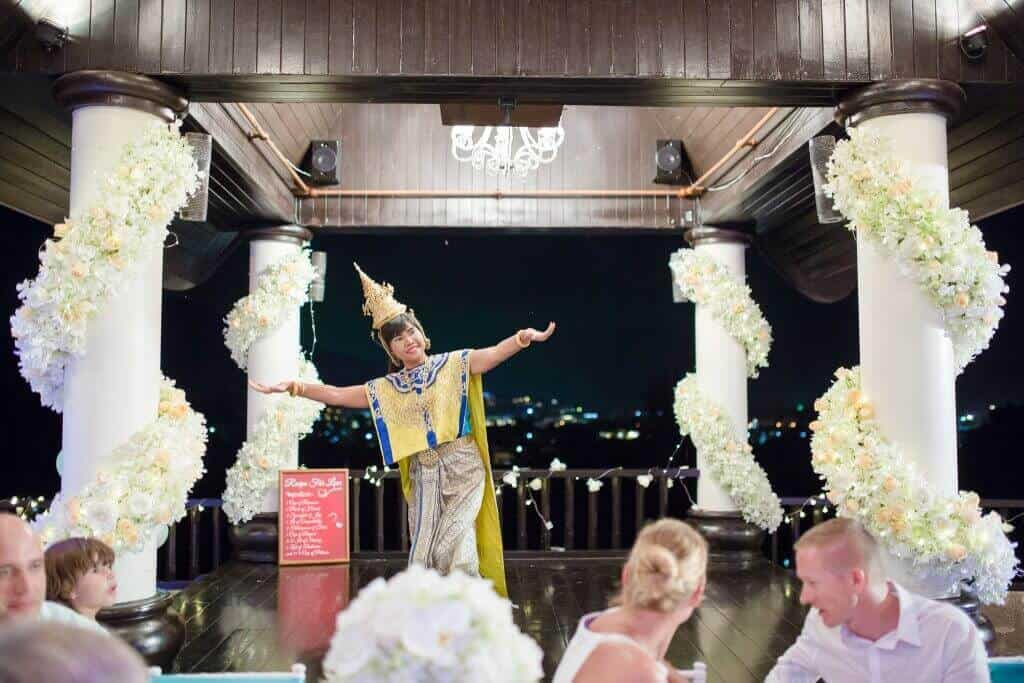 Unique Phuket Wedding Planners - Toom Thai Dancing