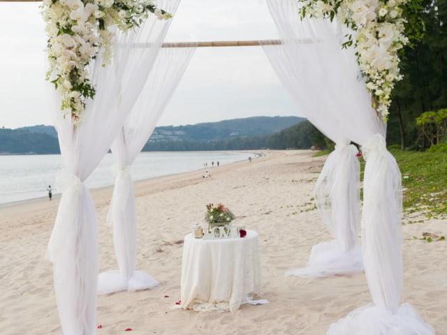 Phuket Romantic Beach Marriage Ceremony (17)