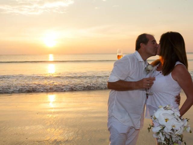 Phuket Romantic Beach Marriage Ceremony (42)