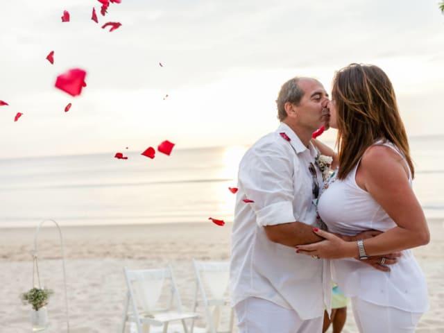 Phuket Romantic Beach Marriage Ceremony (45)