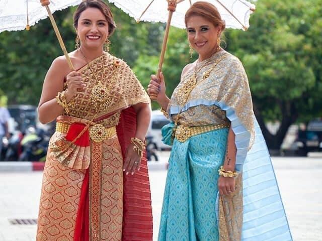 Montse & Fernanda 20th November 2019 Thai Monks Blessing (10)