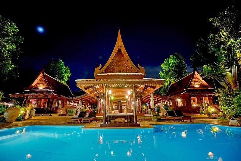 orchid-villa-phuket-rawai-night