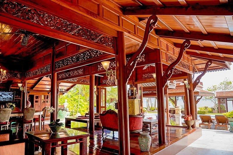 outdoor-livingroom-orchid-royal-thai-villas
