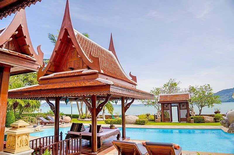 pool-lounge-royal-thai-villas