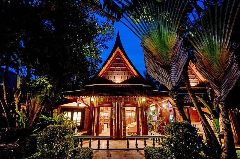 royal-thai-villas-night