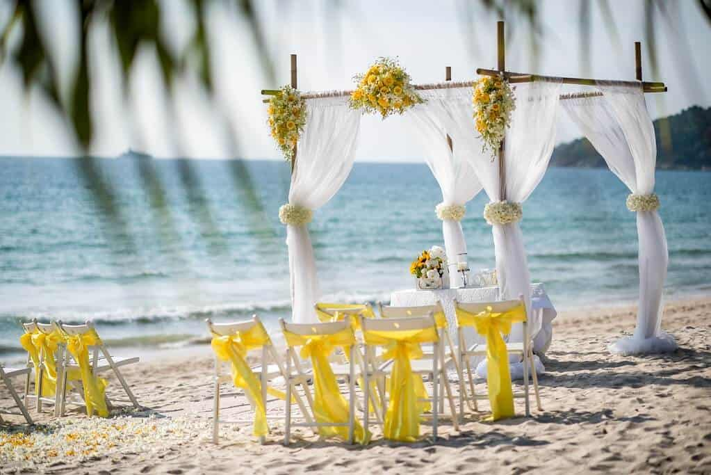 beach-wedding-phuket-thailand-ceremony
