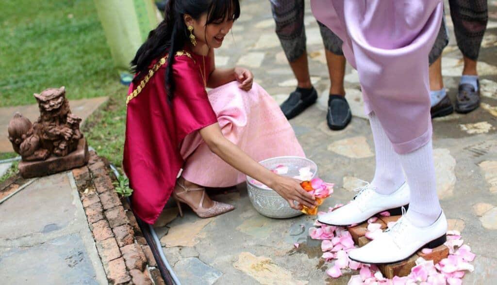 thai wedding attire