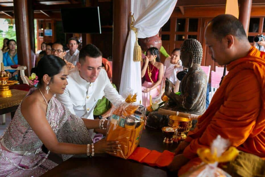 thai-wedding-clothes